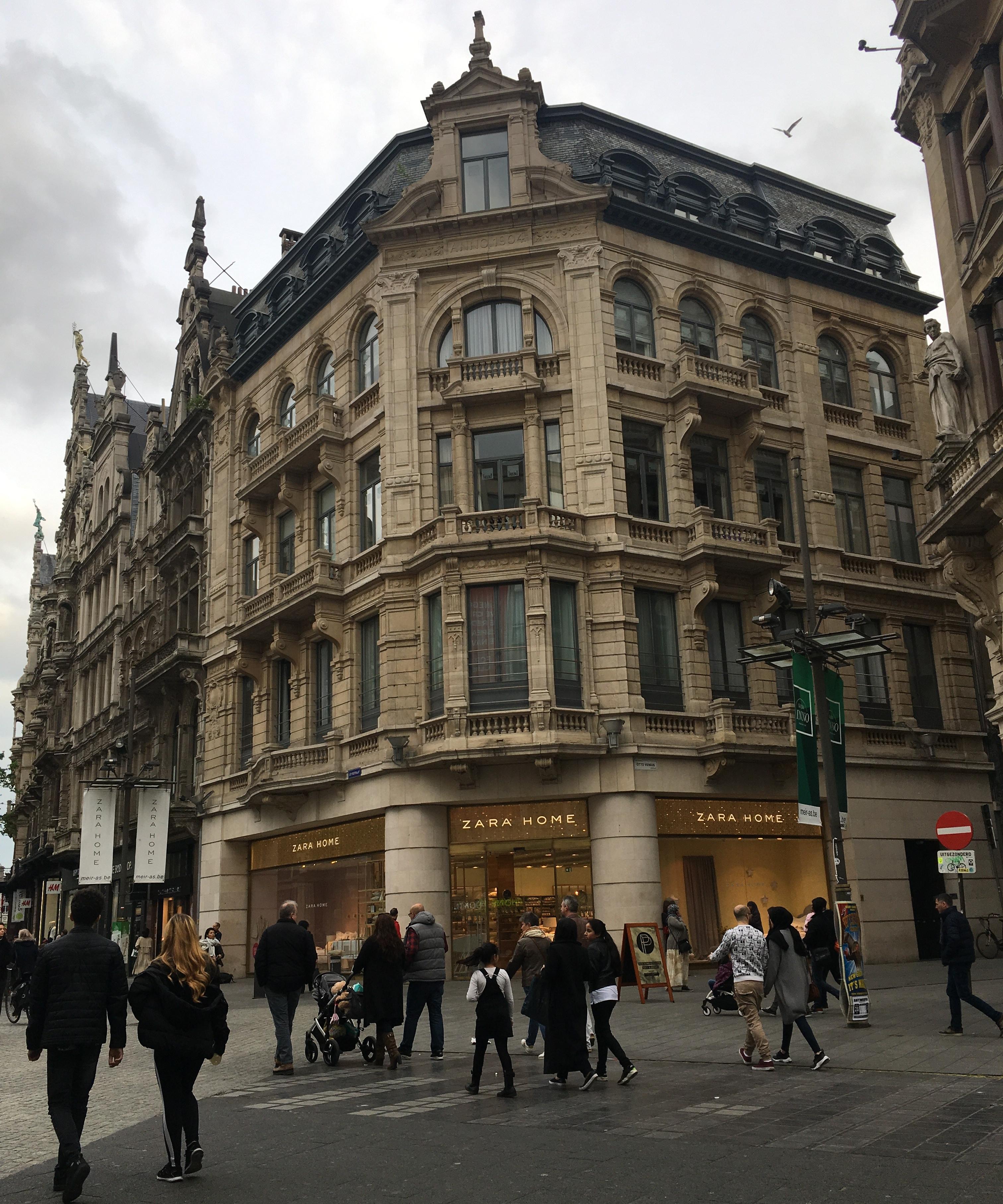 Fancy Zara Store in Antwerpen